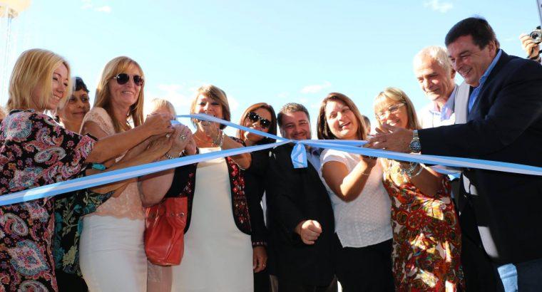 """Se inauguró el complejo educativo """"Lazarina Lambert de Sardou"""" en Colón"""