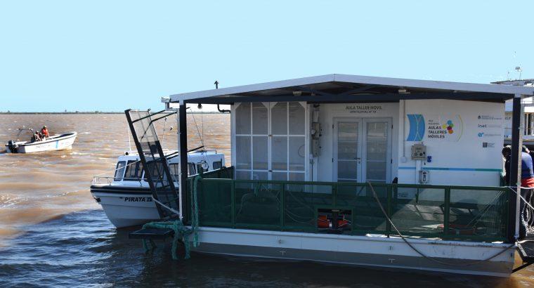 La primer Aula Taller Móvil Flotante de la Argentina ya está en el sur entrerriano