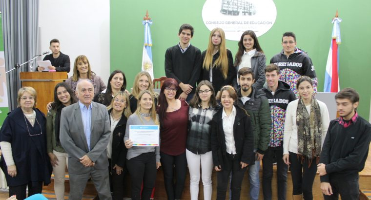 Se inauguró la muestra sobre cooperativismo y mutualismo escolar en el CGE