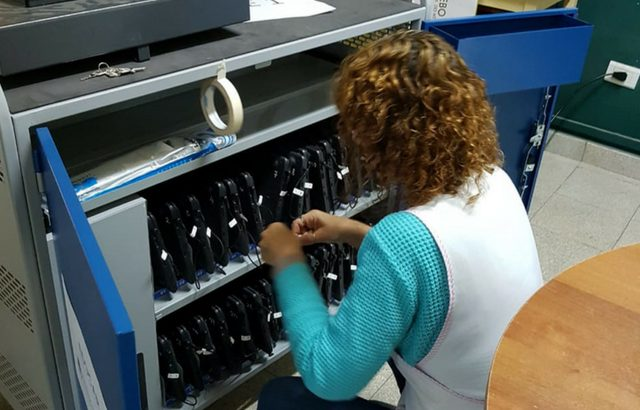Escuelas secundarias de la provincia reciben Aulas Digitales Móviles