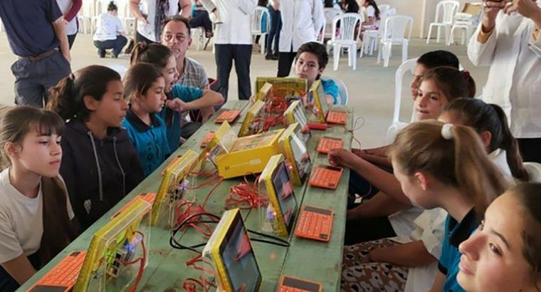 Más de 200 alumnos y docentes de nivel primario de La Paz participaron de festivalitos TIC