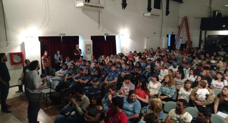 Más de 200 estudiantes participaron de una jornada de reflexión sobre el derecho a la identidad