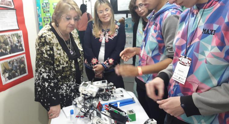 Estudiantes entrerrianos participan con más de 50 proyectos en la feria nacional de innovación educativa