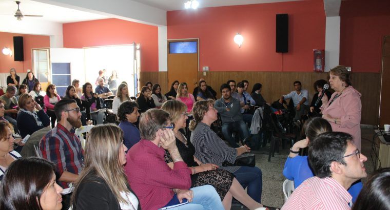 El CGE presentó el proyecto provincial La secundaria se mueve, en Paraná