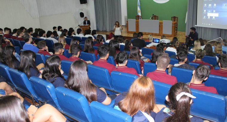 Estudiantes y docentes compartieron experiencias sobre prevención y erradicación de la violencia de género
