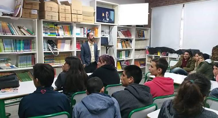 Estudiantes secundarios de Paraná participaron de una charla debate sobre el genocidio armenio