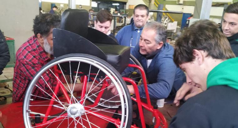 Estudiantes de escuelas técnicas realizaron una silla de deportiva adaptada
