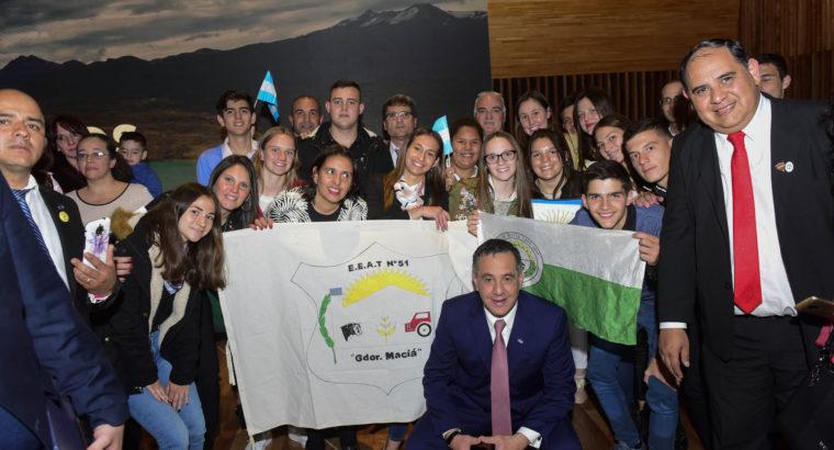La escuela agrotécnica de Maciá recibió el premio Maestros Argentinos