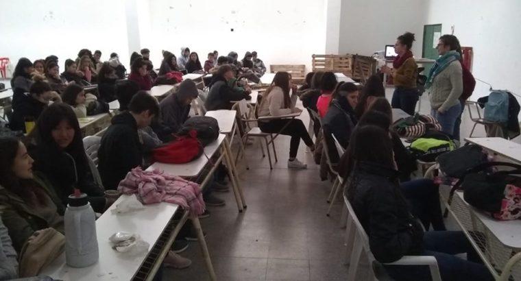 Taller Audiovisual para estudiantes en la Escuela Jauretche