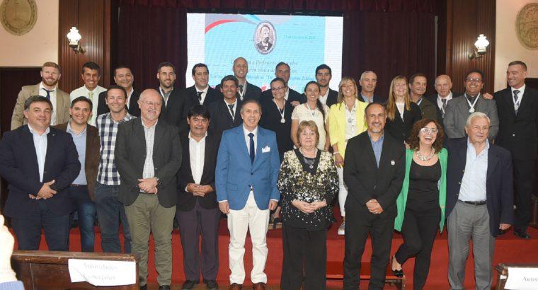 Se reconoció con el premio José Benjamín Zubiaur a profesores de Educación Física