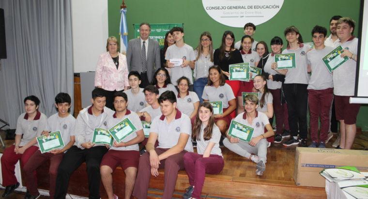 Se entregaron los premios del certamen Conectados destinado a estudiantes secundarios en el CGE