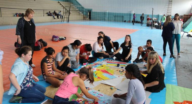 Estudiantes secundarios trabajaron sobre los derechos de los niños y adolescentes