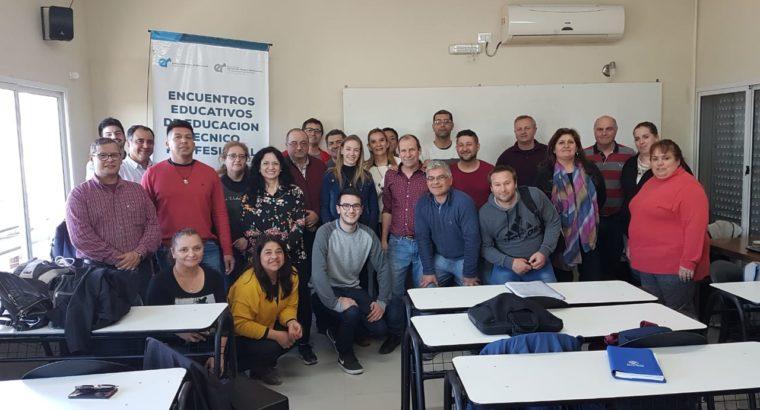 Capacitación para referentes de anexos de formación profesional y aulas talleres móviles
