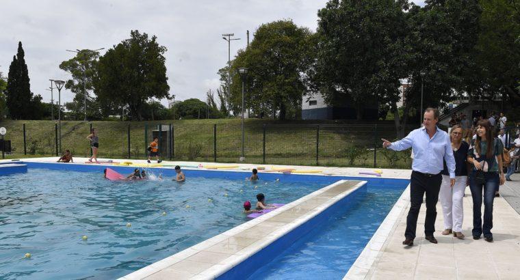 Bordet visitó el parque Berduc y destacó las políticas de alimentación saludable y deporte durante el verano
